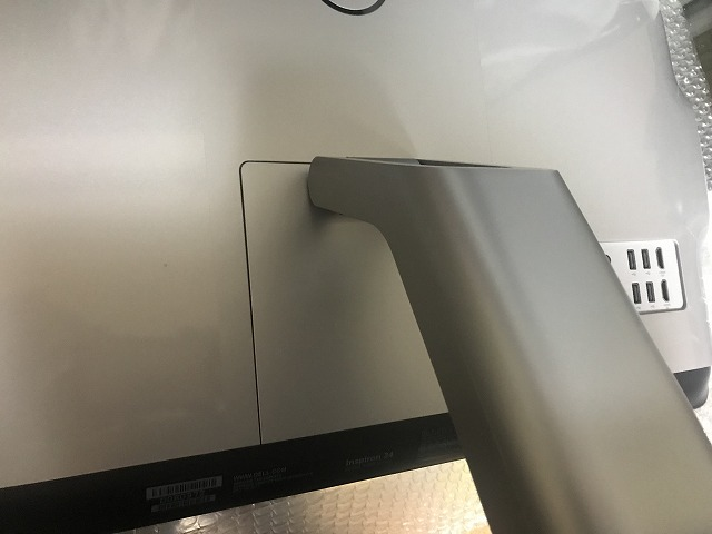 DELLデスクトップパソコンの背面の画像